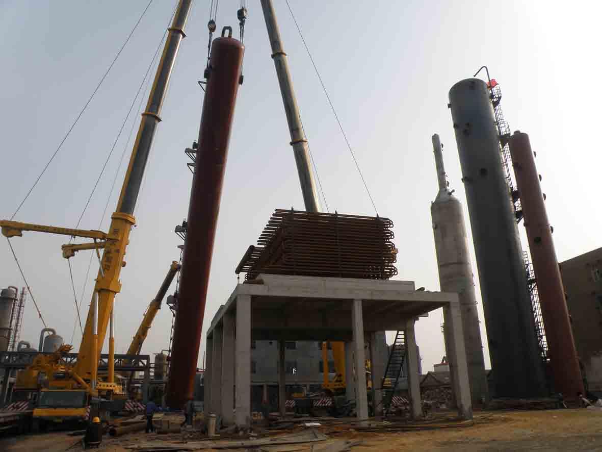 脱碳技改工作吨位最大设备安装就位